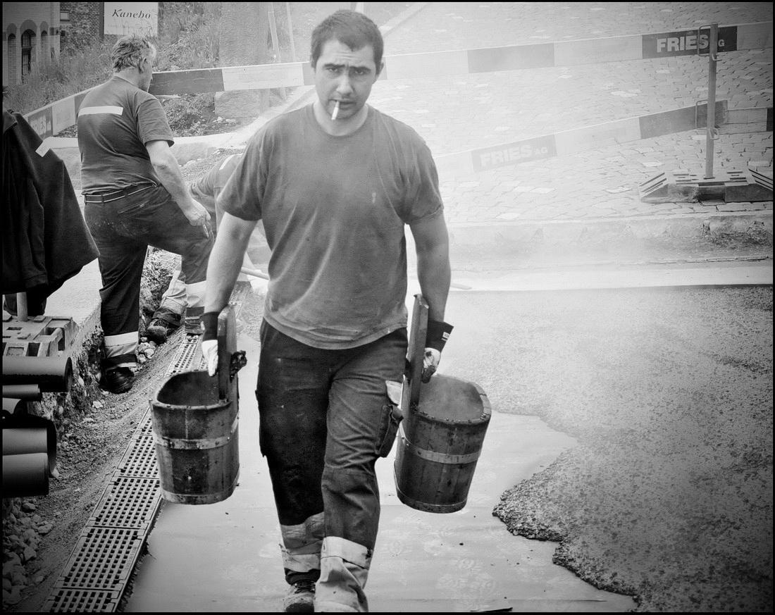 9-2012-4-19-Teerarbeiten-beim-Hotel-Hürlimann-10d-sw-var_Bildgröße-ändern